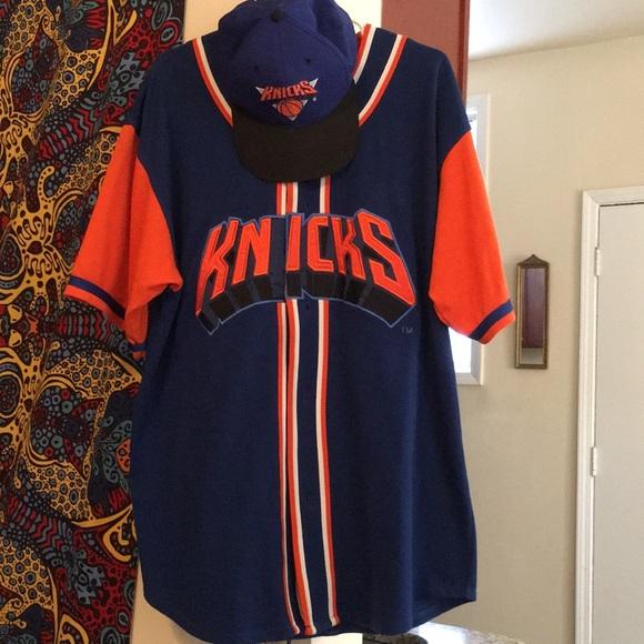 c04f5782ad3 New York Knicks Starter Baseball Jersey   SnapBack.  M 5aa43e3ba44dbe88d171ea75